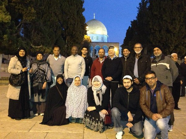 Dawn prayers on al-Aqsa